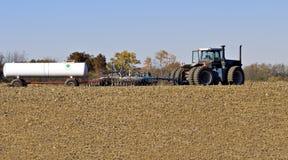 Tractor en Ploeg royalty-vrije stock foto's