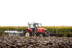 Tractor en Ploeg Royalty-vrije Stock Afbeelding