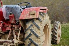 Tractor op een gebied Royalty-vrije Stock Afbeeldingen