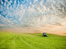Tractor op het gebied Royalty-vrije Stock Afbeelding