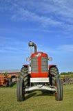 Tractor restaurado de Massey Harris Imagenes de archivo