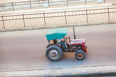 Tractor on the road in Jaipur Royalty Free Stock Images