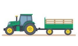 Tractor verde con el remolque en el fondo blanco Foto de archivo