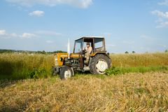 Free Tractor With Farmer Royalty Free Stock Photography - 109712367
