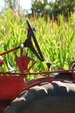 Tractor y maíz Imágenes de archivo libres de regalías