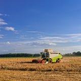 Tractores y cosecha fotos de archivo