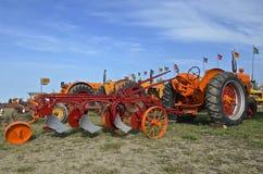 Tractores y paleta de Minneapolis Moline Foto de archivo libre de regalías