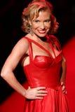 Tracy Anderson anda a pista de decolagem no vermelho ir para a coleção vermelha 2015 do vestido das mulheres Fotos de Stock Royalty Free
