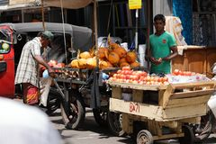 Trade and sale in the streets of Colombo Royalty Free Stock Photos