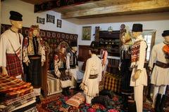 Tradições populares romenas - cena do casamento Fotografia de Stock Royalty Free