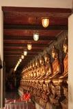 Tradición de la imagen de Buda en Bangkok, Tailandia foto de archivo libre de regalías