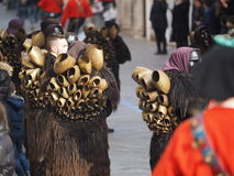 Tradición del carnaval de Cerdeña con Issohadores y la máscara de los mamuthones Imagen de archivo libre de regalías