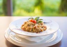 Tradicional servido arroz de Risoto en restaurante Imagen de archivo
