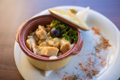 Tradicional servido arroz de Risoto en restaurante Imagenes de archivo