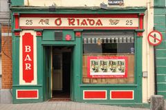 Tradidional irländarebar Kilkenny ireland Arkivbilder