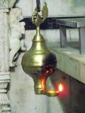 Tradional Indische lamp met pauwontwerp Stock Foto