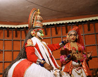 tradional kathakali χορού δραστών Kochi (Cochin), Ινδία στοκ εικόνα