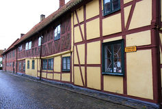 Tradional Zweedse helft-betimmerde huizen in Ystad royalty-vrije stock afbeelding