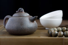 Traditional chinese tea ceremony accessories. (tea pot Stock Photography