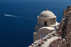 Traditional church in Cyclades style, Oia village Stock Photography