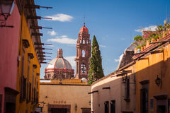 Traditional colonial streets of San Miguel de Allende Stock Photography