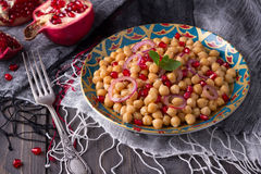 Traditional eastern chickpea salad Royalty Free Stock Photos