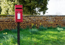 Traditional English post box Royalty Free Stock Images