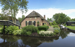 Traditional house in Giethoorn, Netherlands Royalty Free Stock Photos