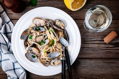 Traditional italian seafood pasta with clams Spaghetti alle Vongole Royalty Free Stock Photos