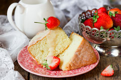 Traditional Italian sponge cake pan di spagna with strawberry an Royalty Free Stock Photos
