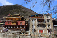 Traditional Tibetan temple and residence buildings in Zhuokeji official chieftain village, Sichuan, China Stock Photos