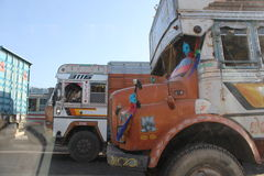 Traditionally decorated indian truck Royalty Free Stock Photos