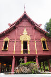 Traditionally thai architecture house with fountain Royalty Free Stock Photography