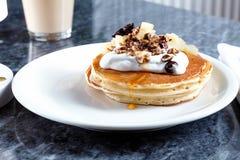 Traditioneel Amerikaans dessert voor ontbijt met exemplaarruimte royalty-vrije stock afbeelding