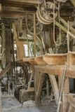 Traditioneel artisanaal houten korenmolenmateriaal royalty-vrije stock foto