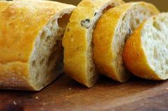 traditioneel brood met olijf. stock afbeelding
