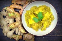 Traditioneel Bugis-mensenvoedsel, Kip met kruiden en kruiden Royalty-vrije Stock Fotografie