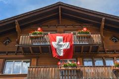 Traditioneel chalet in Engelberg op Zwitserland royalty-vrije stock afbeelding