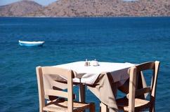 Traditioneel Grieks openluchtrestaurant Stock Foto