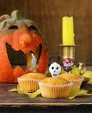 Traditioneel Halloween behandelt cupcakes Royalty-vrije Stock Foto's
