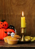 Traditioneel Halloween behandelt cupcakes Stock Foto