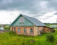 Traditioneel Houten Huis Stock Afbeeldingen