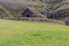 Traditioneel huis Pjodveldisbaer, IJsland. royalty-vrije stock foto's