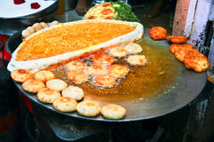 Traditioneel Indisch vegetarisch voedsel bij stree Stock Foto