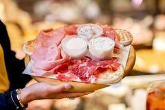 Traditioneel Italiaans aperitief stock foto