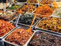Traditioneel Koreaans vergist voedsel bij de Gwangjang-Markt Seoel, Zuid-Korea royalty-vrije stock fotografie