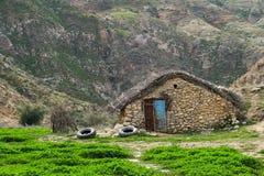 Traditioneel nomadehuis in Zagros-bergen stock fotografie