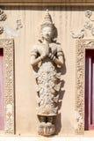 Traditioneel noordelijk de stijl menselijk gevormd beeldhouwwerk van Thailand Royalty-vrije Stock Fotografie