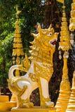 Traditioneel noordelijk de stijlleeuw gevormd beeldhouwwerk van Thailand Stock Foto