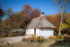 Traditioneel Oekraïens Landelijk Huis in Park Pirogovo, Kiev, de Oekraïne Royalty-vrije Stock Afbeeldingen